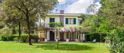 exclusive villa for sale in the parco della versiliana