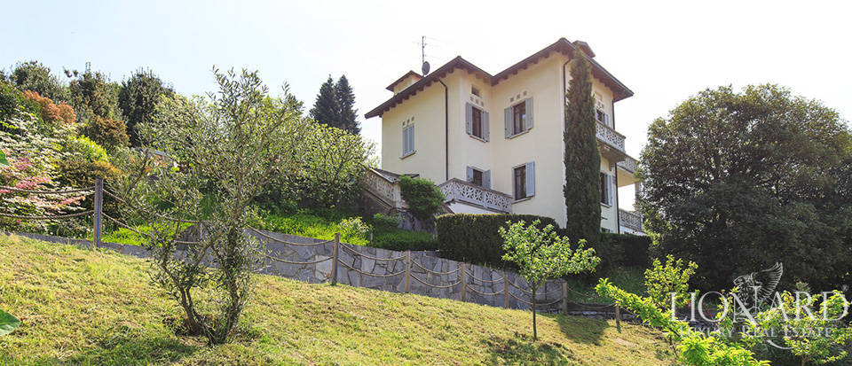 wonderful villa for sale by lake como
