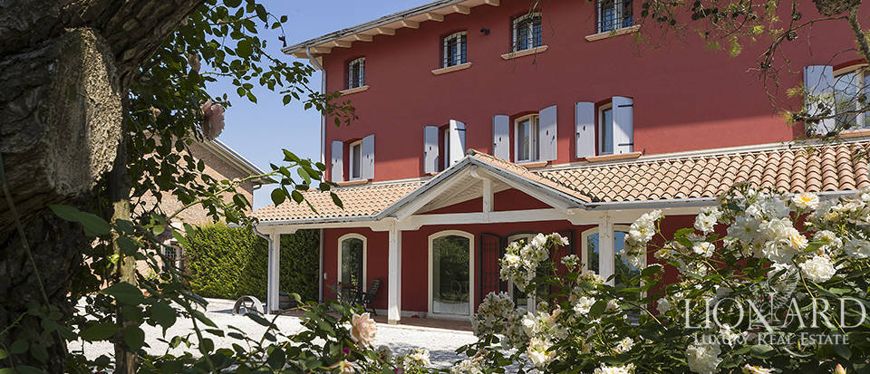 Farmhouse for sale in the province of Venice Image 1