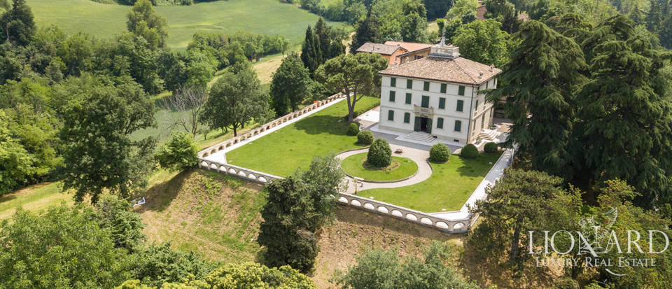 Exclusive villa for sale in Reggio Emilia Image 1