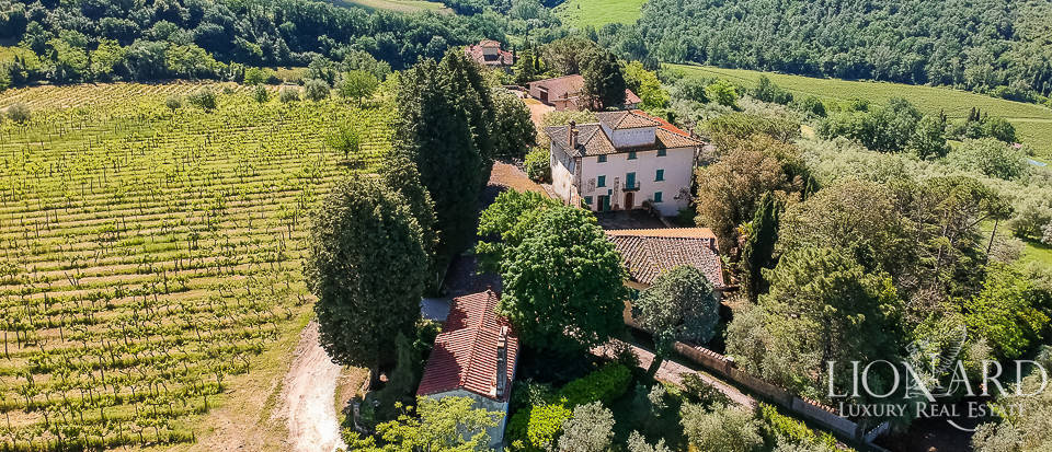 Ancient farmhouse for sale in Florence