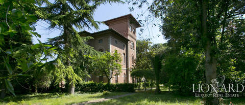 historical villa for sale in porto sant elpidio