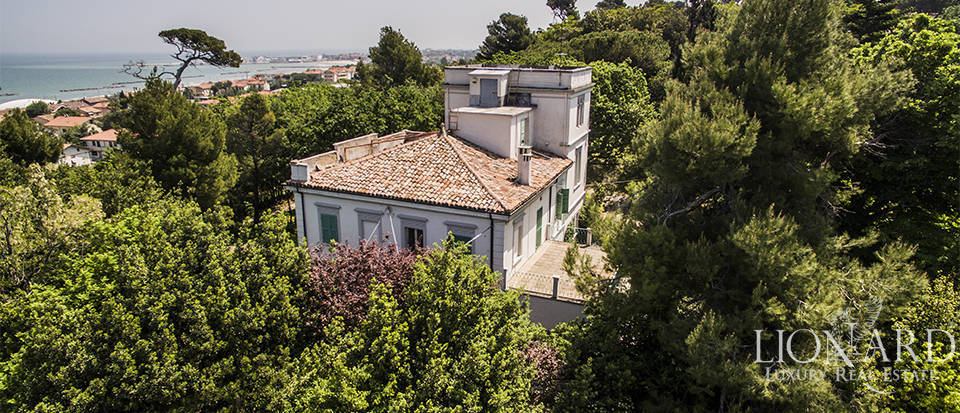 Luxury villa for sale near Pesaro Image 1