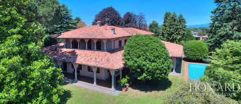 prestigious villa for sale near como