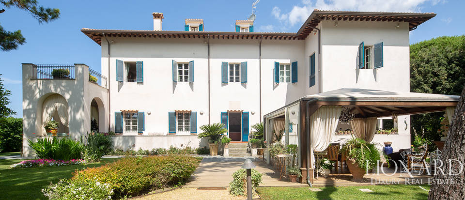 wonderful villa for sale on the riviera apuana