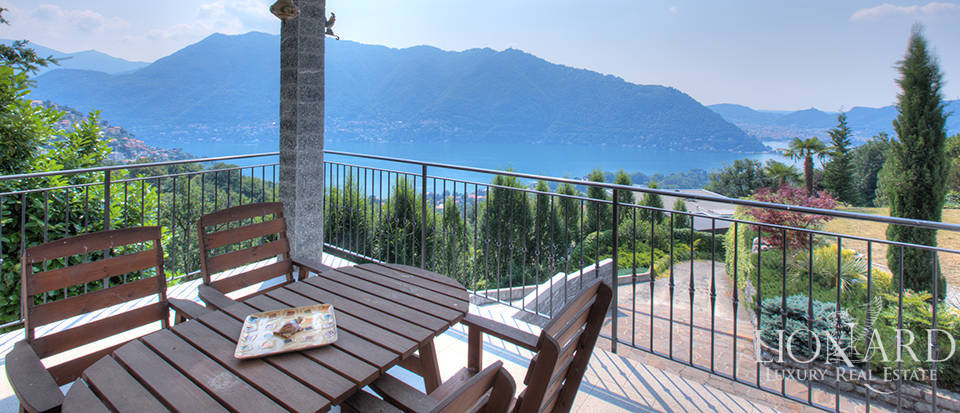 exclusive villa with view for sale by lak como