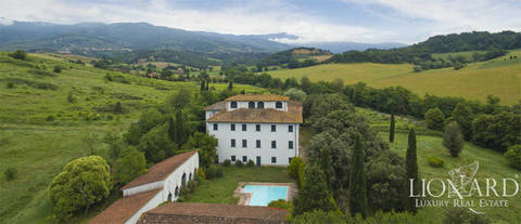 stunning villa for sale near arezzo