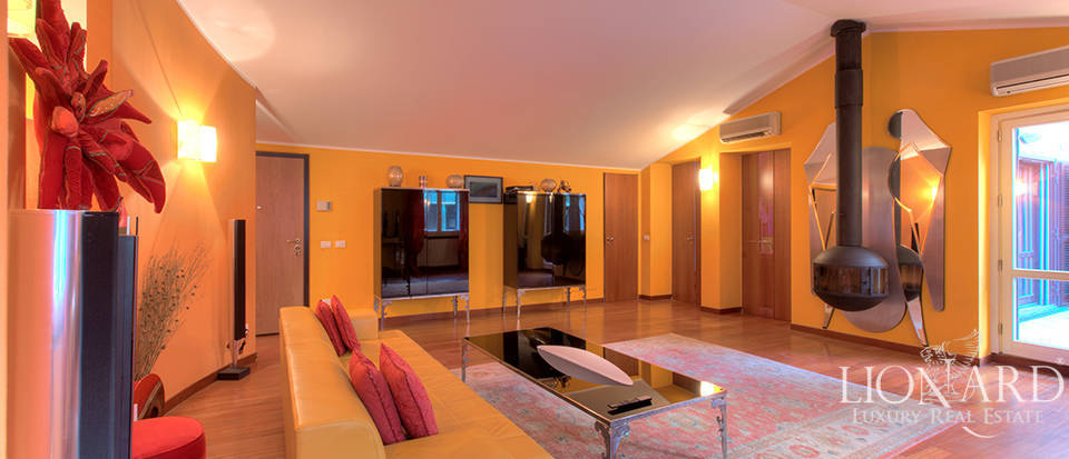 Exclusive penthouse for sale in Milan Image 1