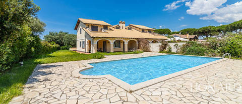 luxury villa with swimming pool for sale in viterbo