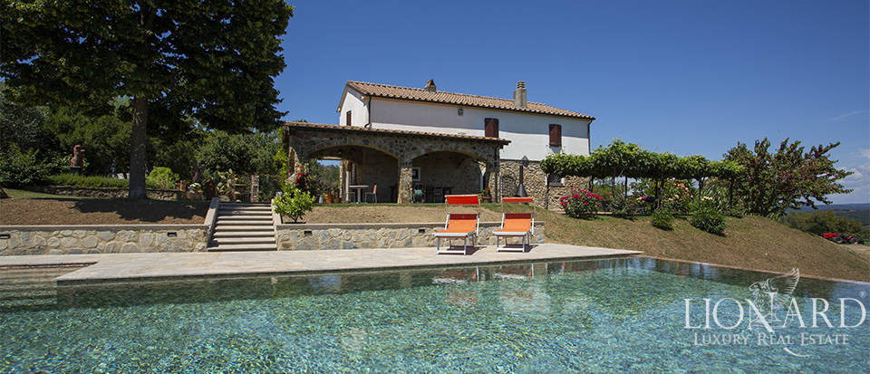 wonderful villa with swimming pool on tuscan hills