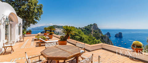 villa with a panoramic view for sale by capri s sea