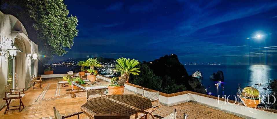 Villa For Sale >> Villa With A Panoramic View For Sale By Capri S Sea Lionard
