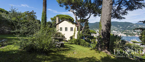 villa with panoramic terrace for sale in rapallo