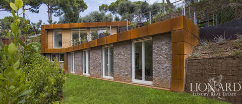 stunning villa for sale on the shores of lake garda