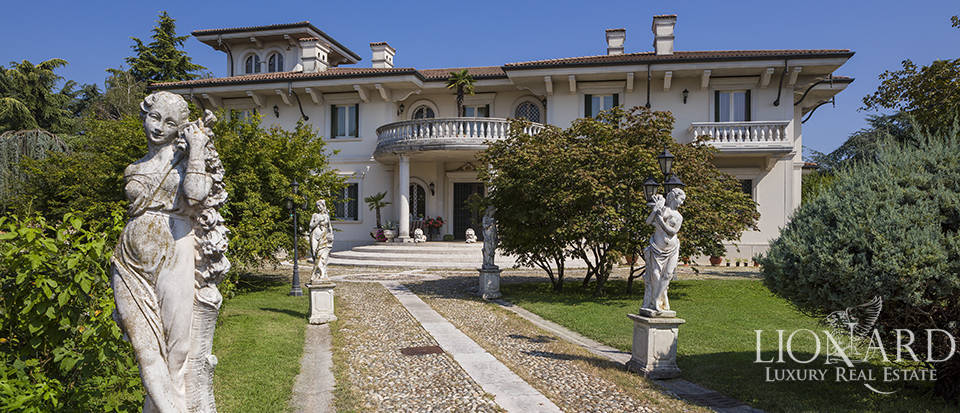 prestigious villa for sale near brescia