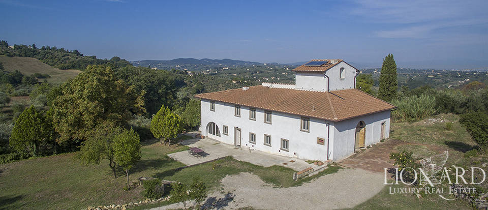Stunning villa with olive grove on Florence