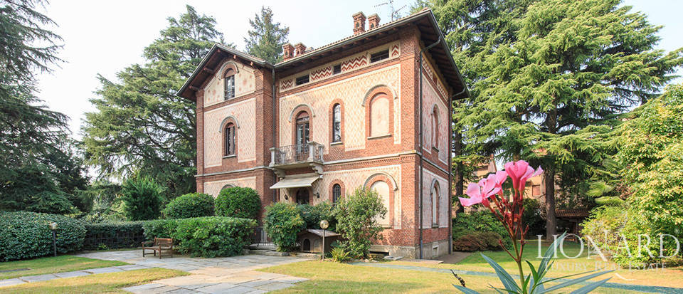 art nouveau villa for sale in the province of varese