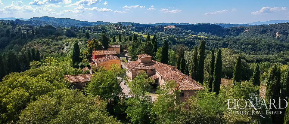 Tuscan estate for sale between Florence, Pisa and Siena Image 1