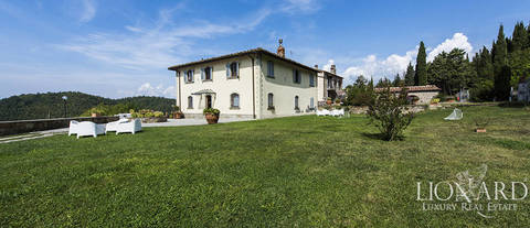 old wine producing farm for sale in chianti