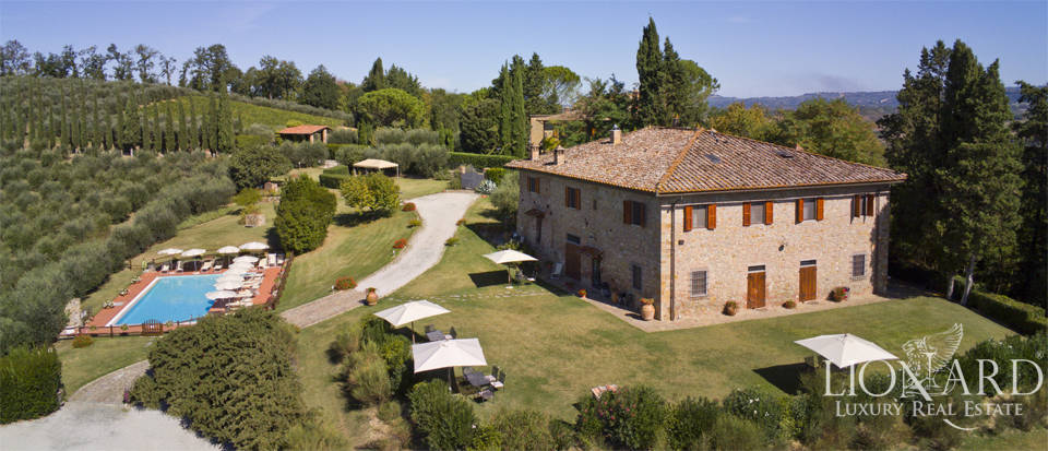stunning farmhouse with a view of san gimignano s towers