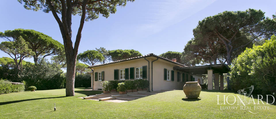 elegant villa for sale in roccamare