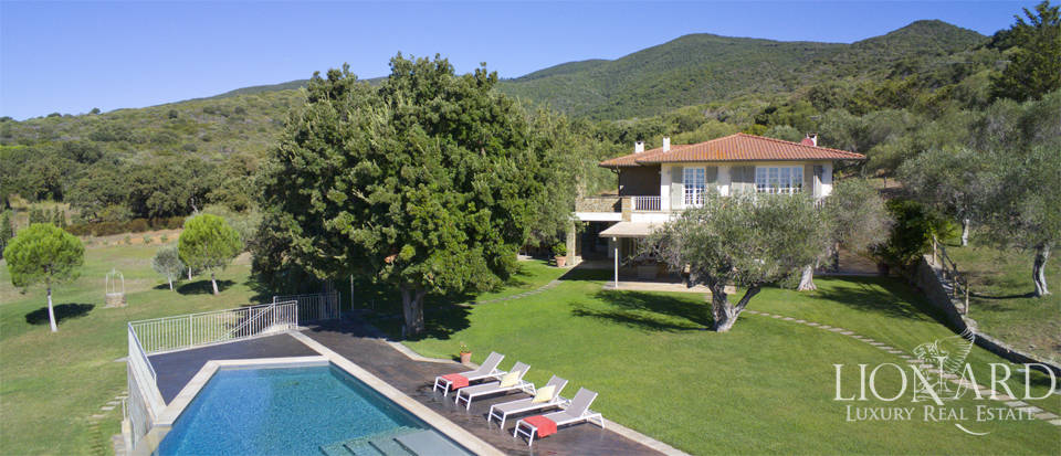 luxury villa with a view of the sea in castiglione della pescaia