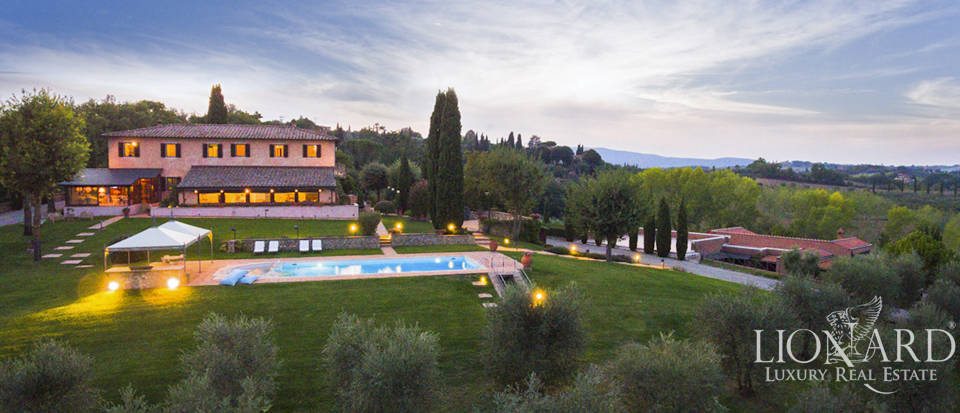 luxurious villa with swimming pool in siena s countryside