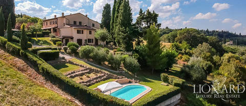 luxurious villa for sale in montespertoli