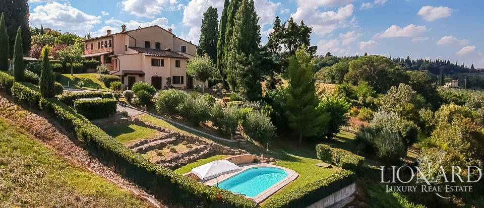 Luxurious villa for sale in Montespertoli Image 1