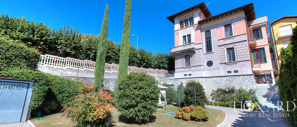 Luxury villa for sale in the province of Varese Image 1