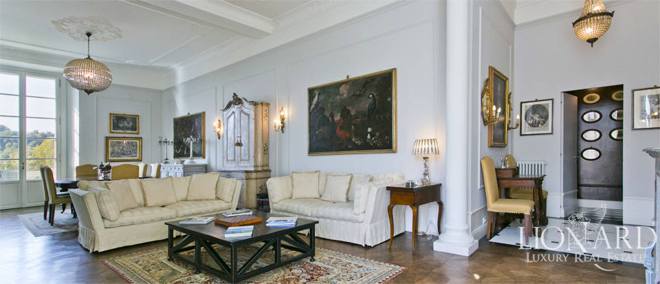 Exclusive apartment for sale by the river Arno in  Florence  Image 1