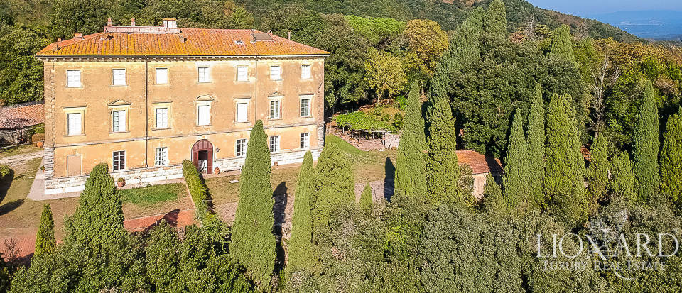 Luxury villa for sale in the province of Livorno Image 1