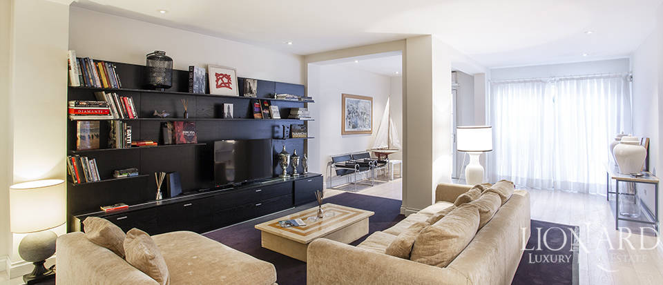 Modern luxury apartment in Florence  Image 1