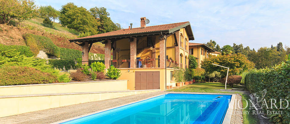Luxury villa for sale on Arona