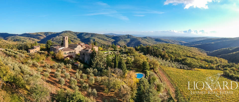 Stunning property resort for sale in Chianti Image 1