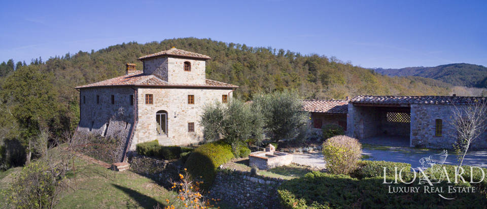 Luxury estate for sale in the hear of Chianti Image 1