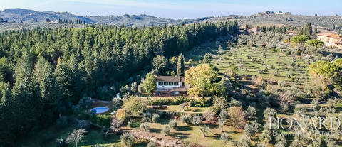 villa with swimming pool for sale on florence s hills