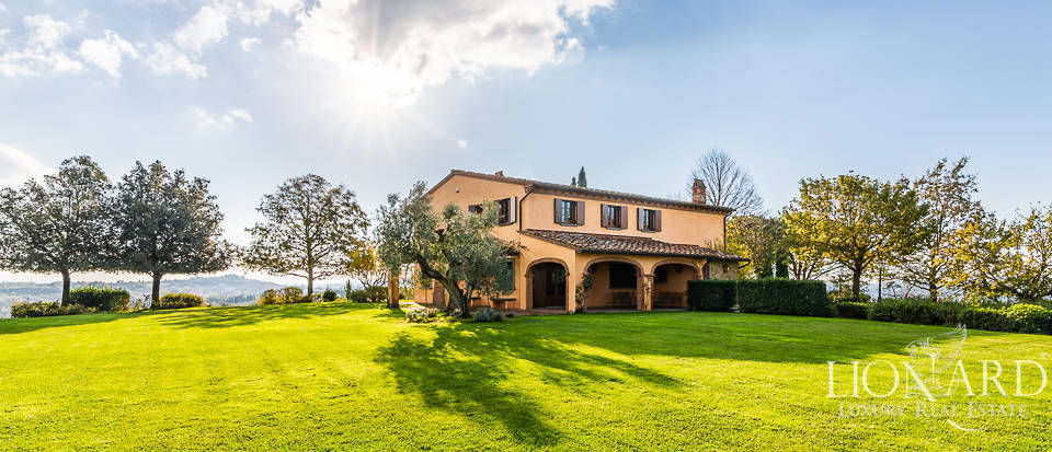 luxurious villa with swimming pool near pisa