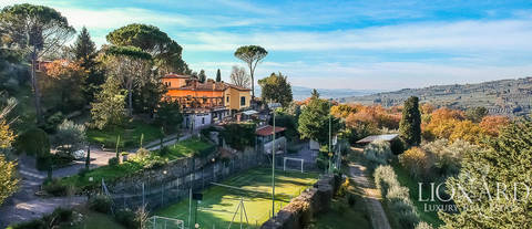 stunning villa for sale on florence s hills
