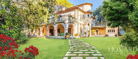 wonderful vila with swimming pool for sale in umbria
