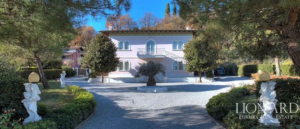 neo classical villa for sale in padenghe sul garda