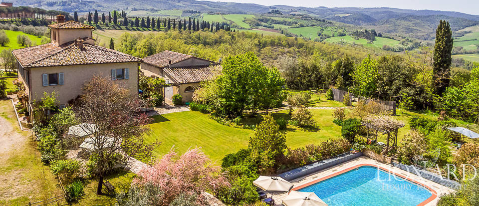 farmhouse with swimming pool for sale near florence