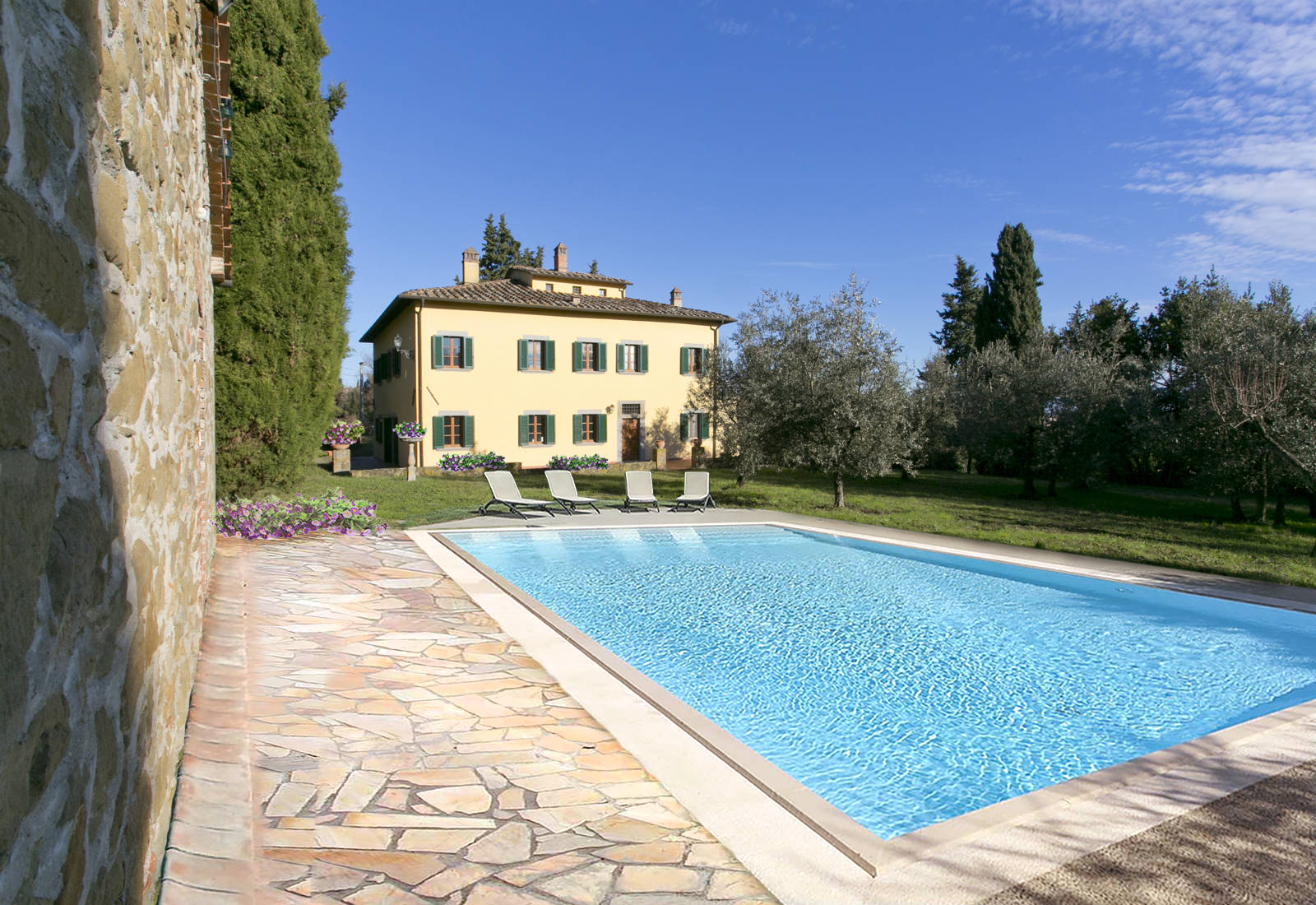 period villa for sale in the province of arezzo
