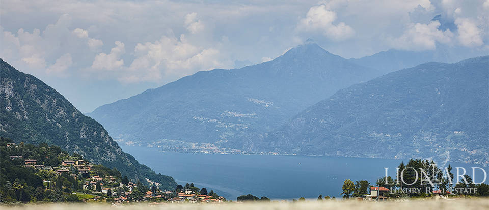 villa in a hilly position with a view of lake como