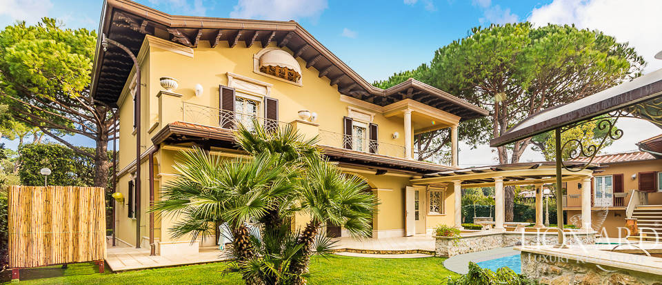 luxury home in forte dei marmi for sale