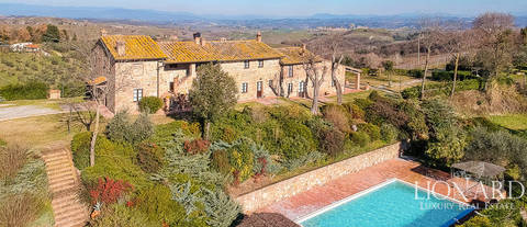 stunning villa for sale in the heart of tuscany