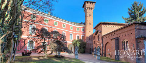 prestigious villa for sale in the province of pavia