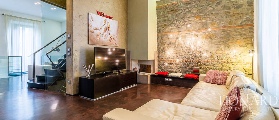 stunning designer villa for sale in florence