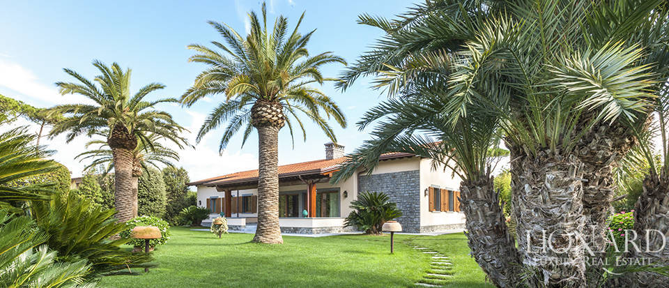 luxurious complex for sale in forte dei marmi