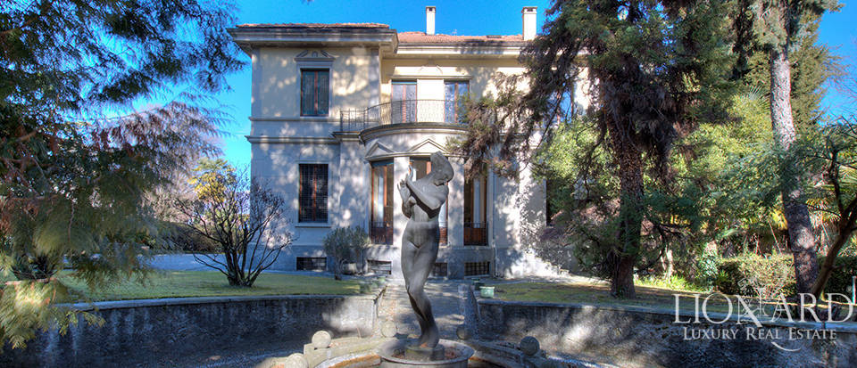 Charming historical estate with a view of the lake in Stresa Image 1